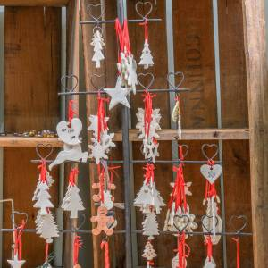 Flat hanging Christmas ornaments